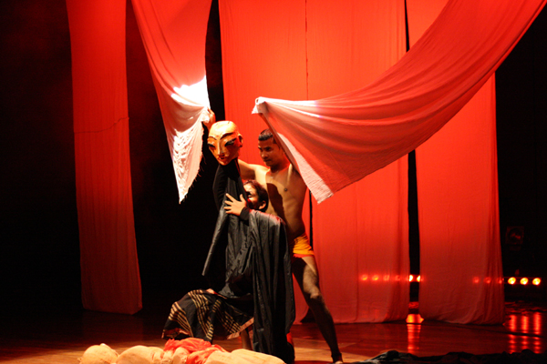 Anurupa Roy directed play Mahabharat explores why people go to war