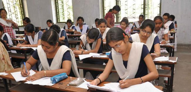 Bihar: No shoes, socks in Class X examinations to prevent cheating