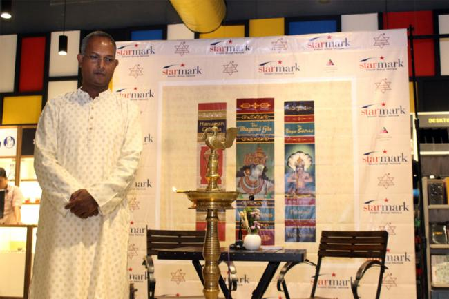 Starmark holds launch of pocket editions of Bhagvad Gita, Hanuman Chalisa, Yoga Sutras