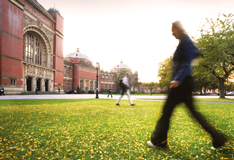 Universities ask schools to consider later start times for teenage pupils