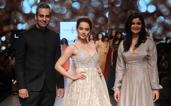Luxury Pret Bridal wear dazzled on the ramp from Shyamal and Bhumika at LFW