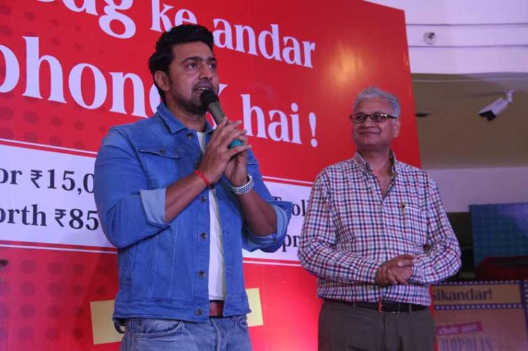 Dev inaugurates Acropolis Mall's puja shopping bonanza