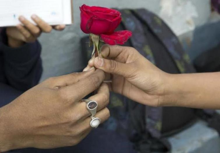 On V-Day, Surat schoolchildren will pledge to marry with parents' consent
