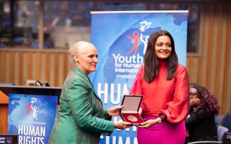 Indian actress Sheena Chohan awarded Human Rights Hero at the UN