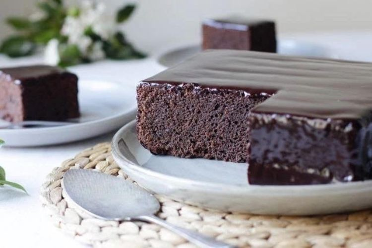 Kolkata cloud kitchen Binge Baefikar cooks up special desserts for Mother's Day
