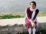 Srinagar girl revives candle lighting culture in Kashmir