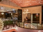 Royal China Kolkata complements its fine dining restaurant with a dazzling lounge and bar