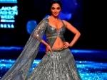 Kiara Advani scorched the ramp in Manish Malhotra's latest couture bridal wear at Lakme Fashion Week