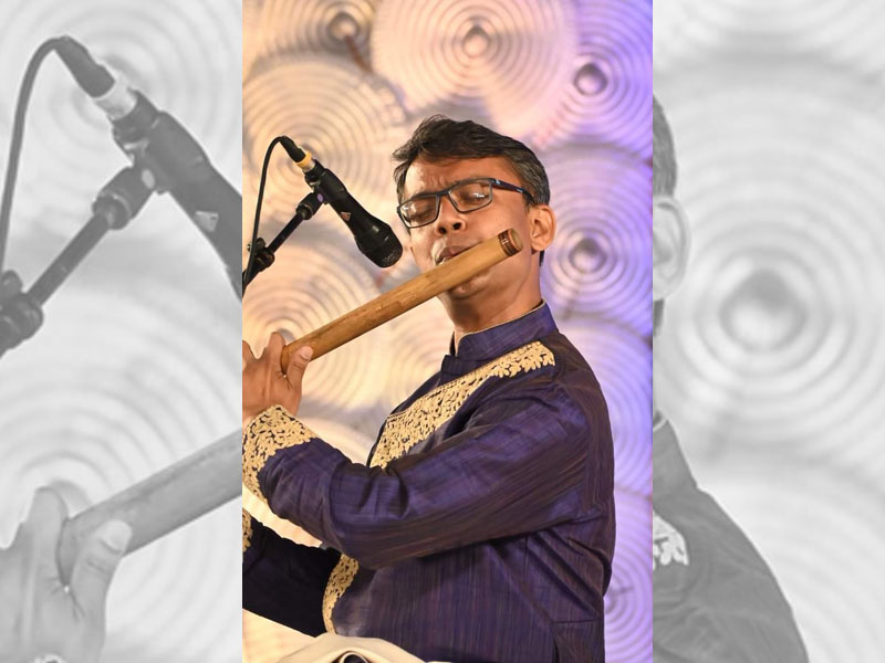 Flautist cop's rendition wins hearts at Dover Lane Music Conference 2021 in Kolkata
