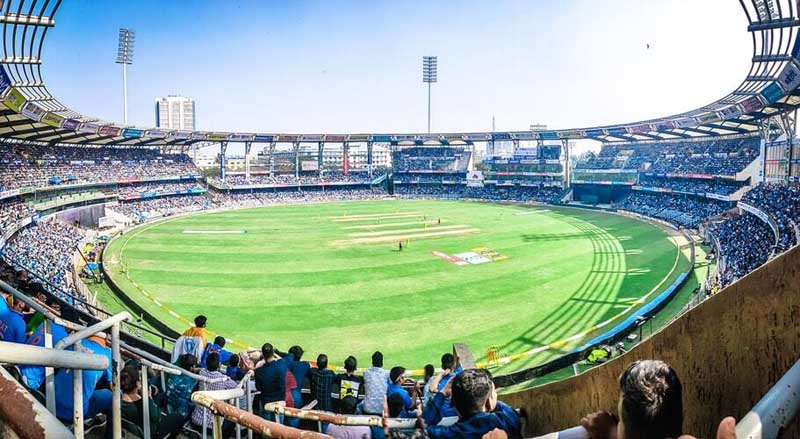 Seven Kolkata restaurants and cafes offering live IPL cricket matches paired with an excellent spread