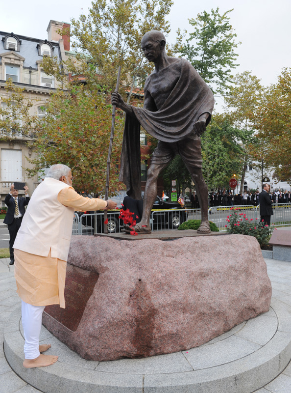 PM Modi pays home to Mahatma Gandhi