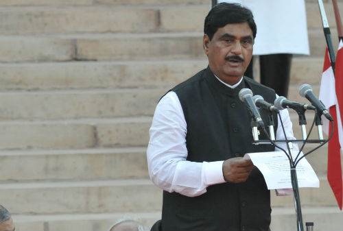 Gopinath Munde wanted to resign from BJP?