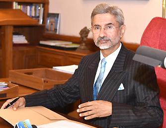 S Jaishankar replaces Sujatha Singh as Foreign Secretary