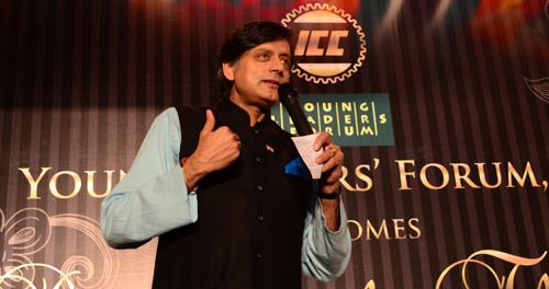 Shashi Tharoor again praises Modi