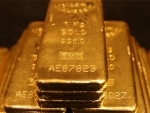 Kolkata: 11 kg gold worth Rs.3.5 crore recovered from Sealdah station, 3 held