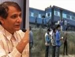 Suresh Prabhu visits train mishap site