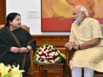 J Jayalalithaa meets Modi, presents memorandum