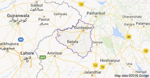BSF kills two Pakistani smugglers, injures one along Punjab border