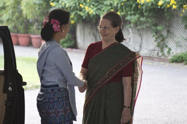 Myanmar Foreign Minister Aung San Suu Kyi meets Sonia Gandhi
