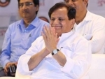 In another hint of a JDU split, Sharad Yadav congratulates Ahmed Patel