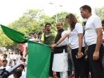 Union Ministers Vijay Goel, Babul Supriyo flag off 8th Slum Daud in Delhi