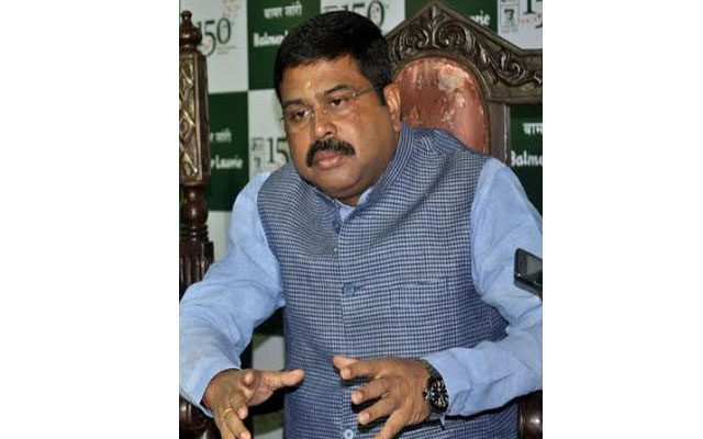 All Petrol Stations in UP to be re-assessed by a Team of State STF, W&M Department, Civil Supplies Department and OMCs says Petroleum Minister