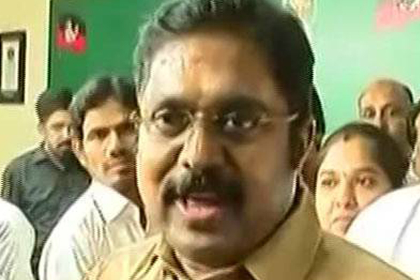 TTV Dhinakaran leading in RK Nagar bypoll votes counting