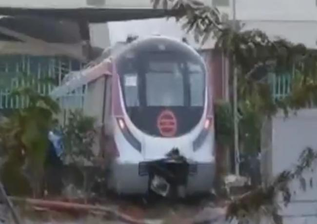 Delhi Metro's Magenta Line crashes into wall during trial run, no injury