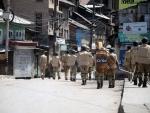 Kashmir : Militant killed, cop injured in grenade attack on police station