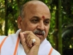 Hardik Patel meets Pravin Togadia in hospital after allegation of threat to life