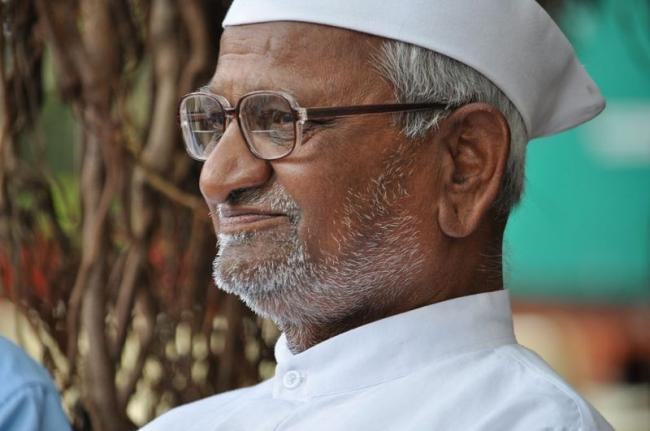 Anna Hazare calls off hunger strike after meeting Maharashtra CM Devendra Fadnavis