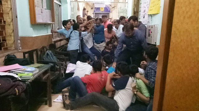 Protesting Calcutta Medical College students allege late-night assault by cops, outsiders