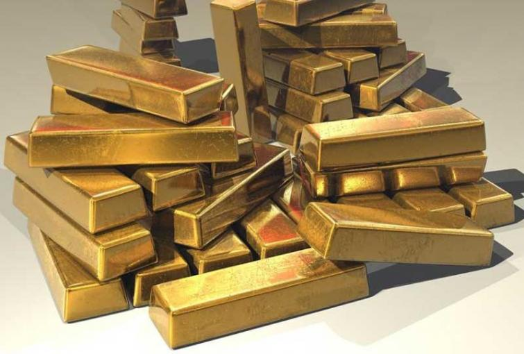 About 10 kg gold worth Rs 3 crore seized from Kerala airport