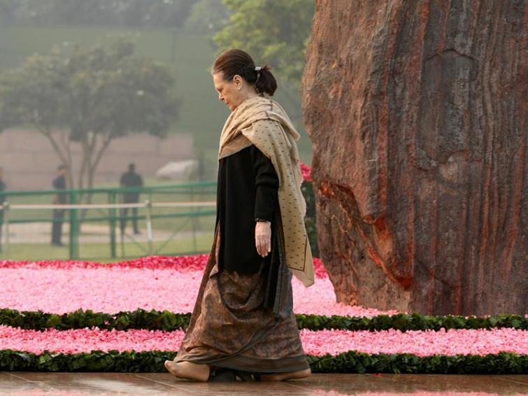 Congress attacks government over removal of Gandhi family's SPG cover in Lok Sabha