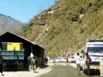 Hundreds of vehicles leave Jammu for Kashmir, snow clearance opn starts on Mughal road