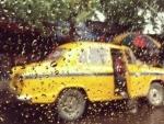 Heavy rains lash Kolkata, one person dies