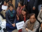 CAA agitation: Priyanka Gandhi Vadra leads protest at India Gate