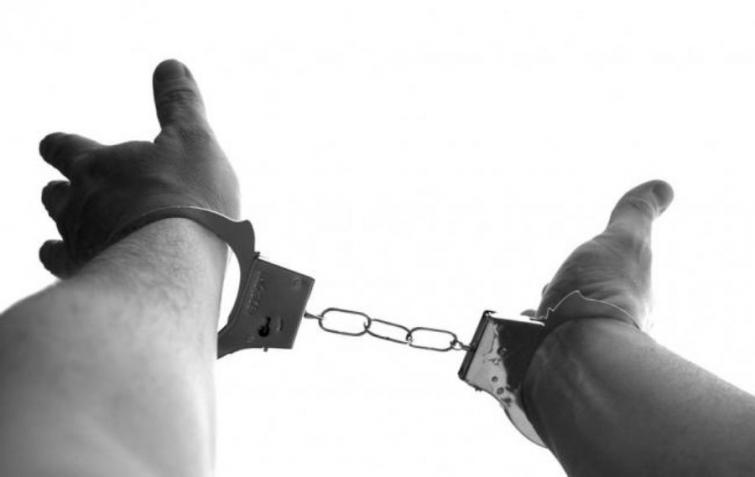 Bihar: Two drunk youths arrested with firearms