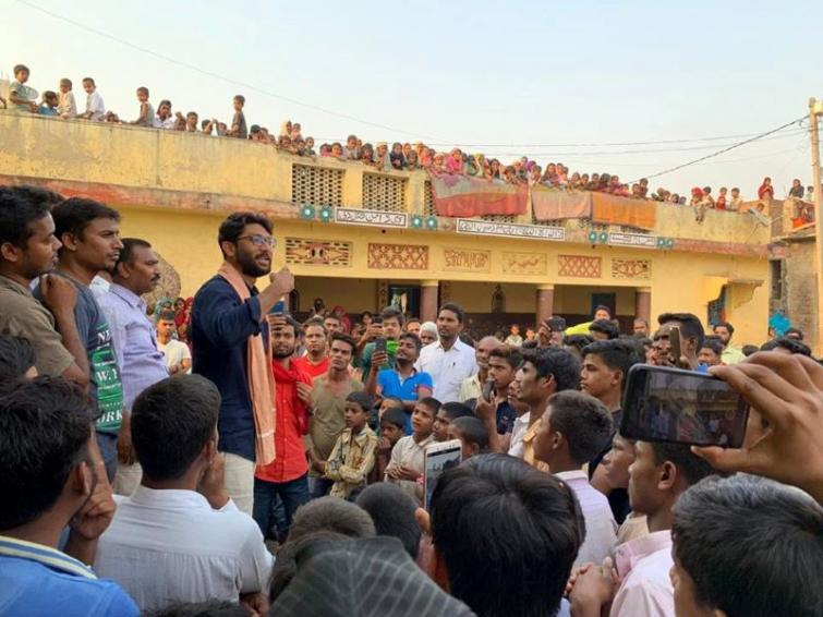 Jignesh Mevani threatens to call Gujrat Bandh if accused in Dalit-man beating incident not arrested in 24 hours
