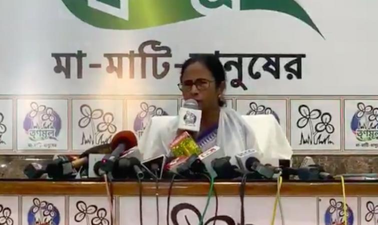 Election Commission's reward for Modi for breaking Vidyasagar statue: Mamata