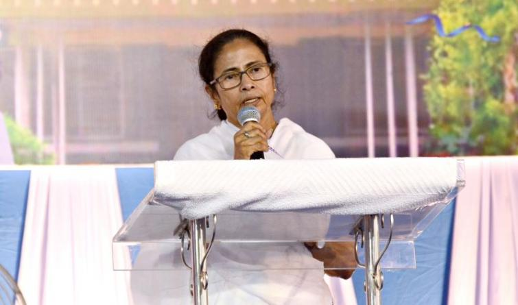 Do not fear, I am with you: Mamata Banerjee on NRC