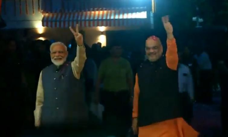 Modi arrives at BJP headquarters, to address workers soon
