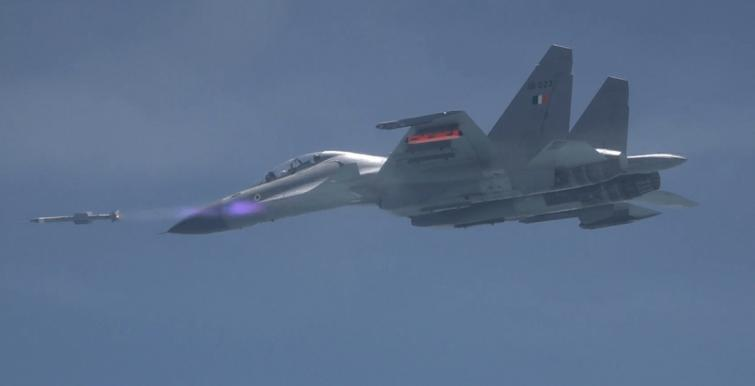 India successfully test-fires Air-to-Air missile Astra from Su-30 MKI