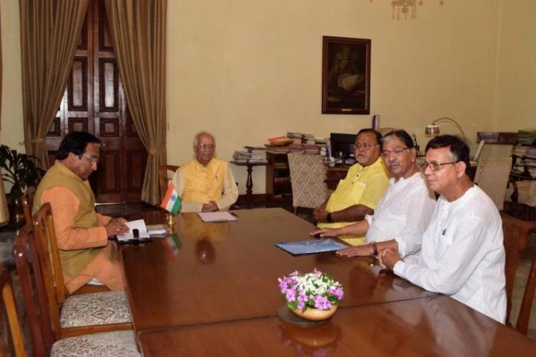 Governor Keshari Nath Tripathi holds four-party meeting at Raj Bhawan