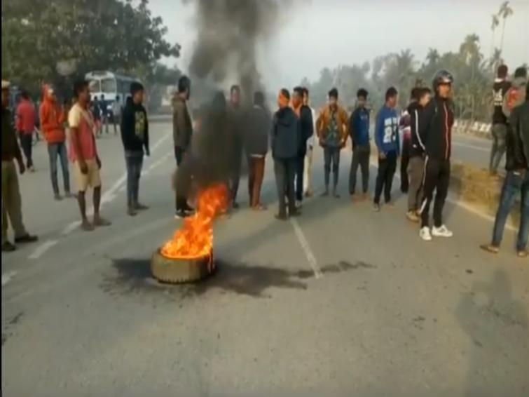Bandh in Assam protesting Citizenship Amendment Bill, vehicles damaged