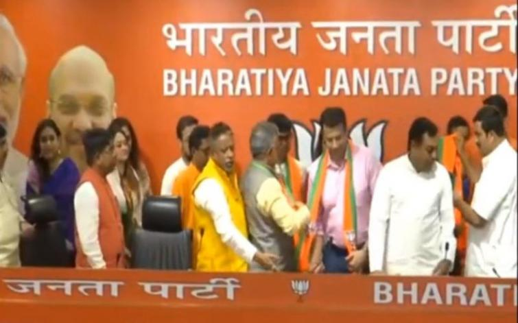 Popular Bengali television and film personalities join BJP