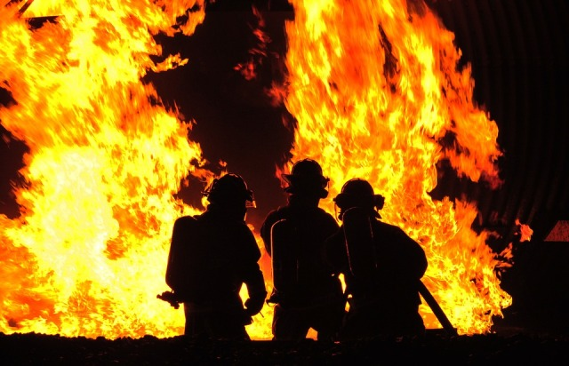 32 people killed as fire breaks out at Delhi factory