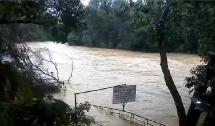 Eleven people killed in Karnataka as flood situation turns worse