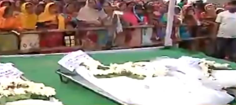Mortal remains of Murshidabad labourers killed in Kashmir brought home