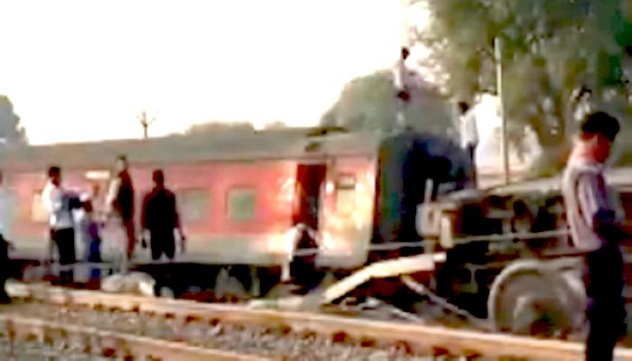 Howrah-New Delhi Poorva express derails near Kanpur, 13 injured